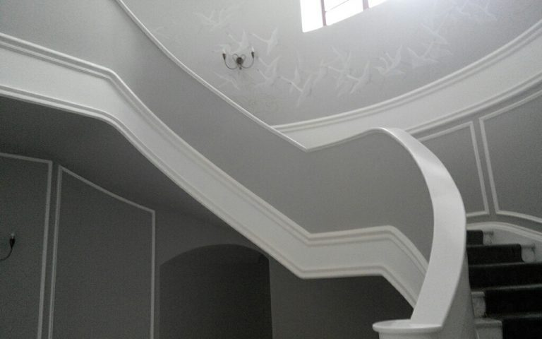 красивая лестница акрил ДНД Групп