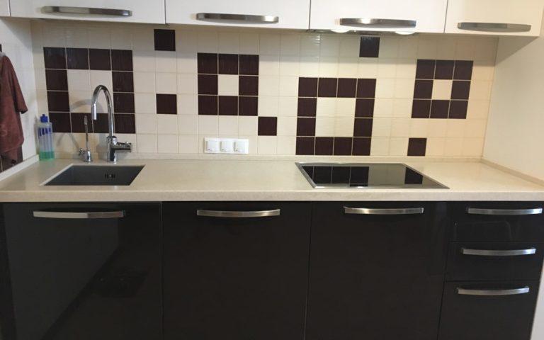 Кухня со столешницей из акрилового камня (3)